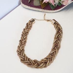 Jewelry - Amazing Gold tone Braided Necklace